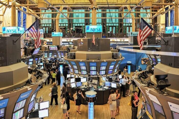 ¿Qué es un precio cotizado negociando activos?