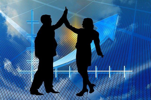 Acciones que pagan dividendos que debe comprar y mantener