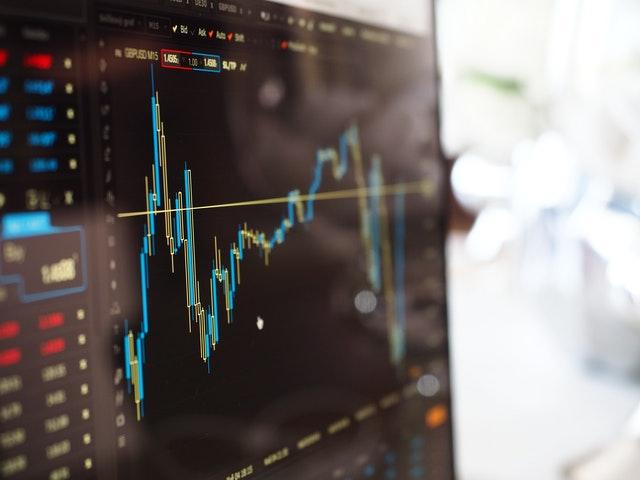 ETF vs acciones: Cómo elegir la mejor inversión